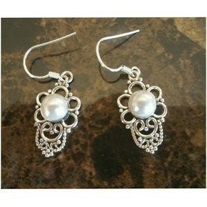 "Jewelry - 10am French Pearl Earrings 1.5"""